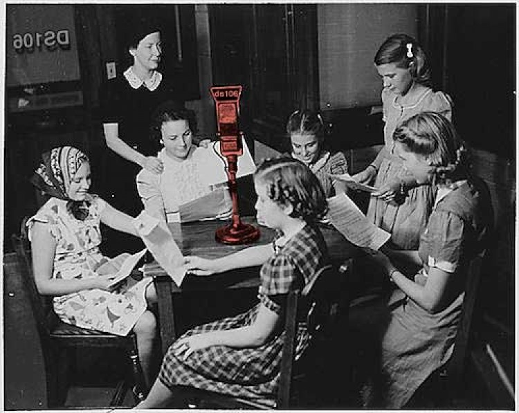 Come Gather Around the ds106 Radio