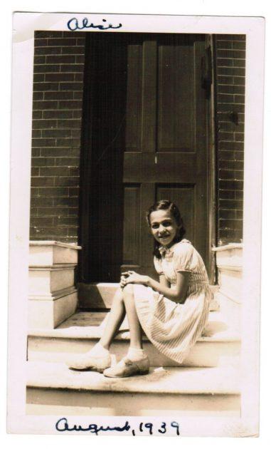 mom-1939